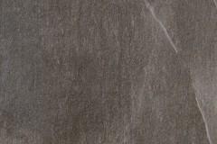 percorsi-extra_pietra-di-faedis-60x60-spazzolato-101127_2-768x770